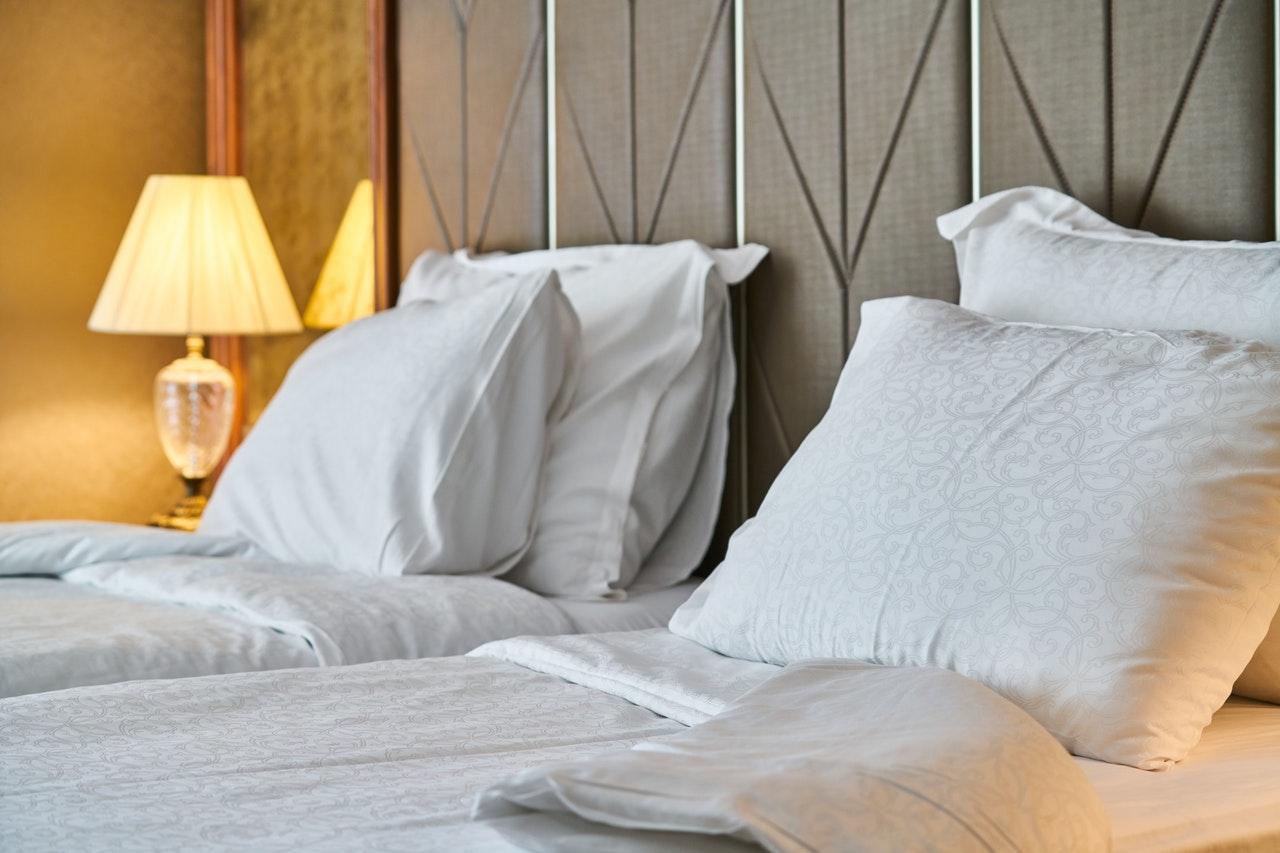 東京でホテルの宿泊費が安い地域4選!安いホテルを予約する際の注意点とは