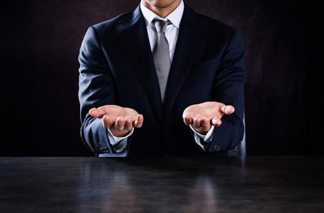 両手取引とは?片手取引との違いや、問題となる囲い込みについて解説