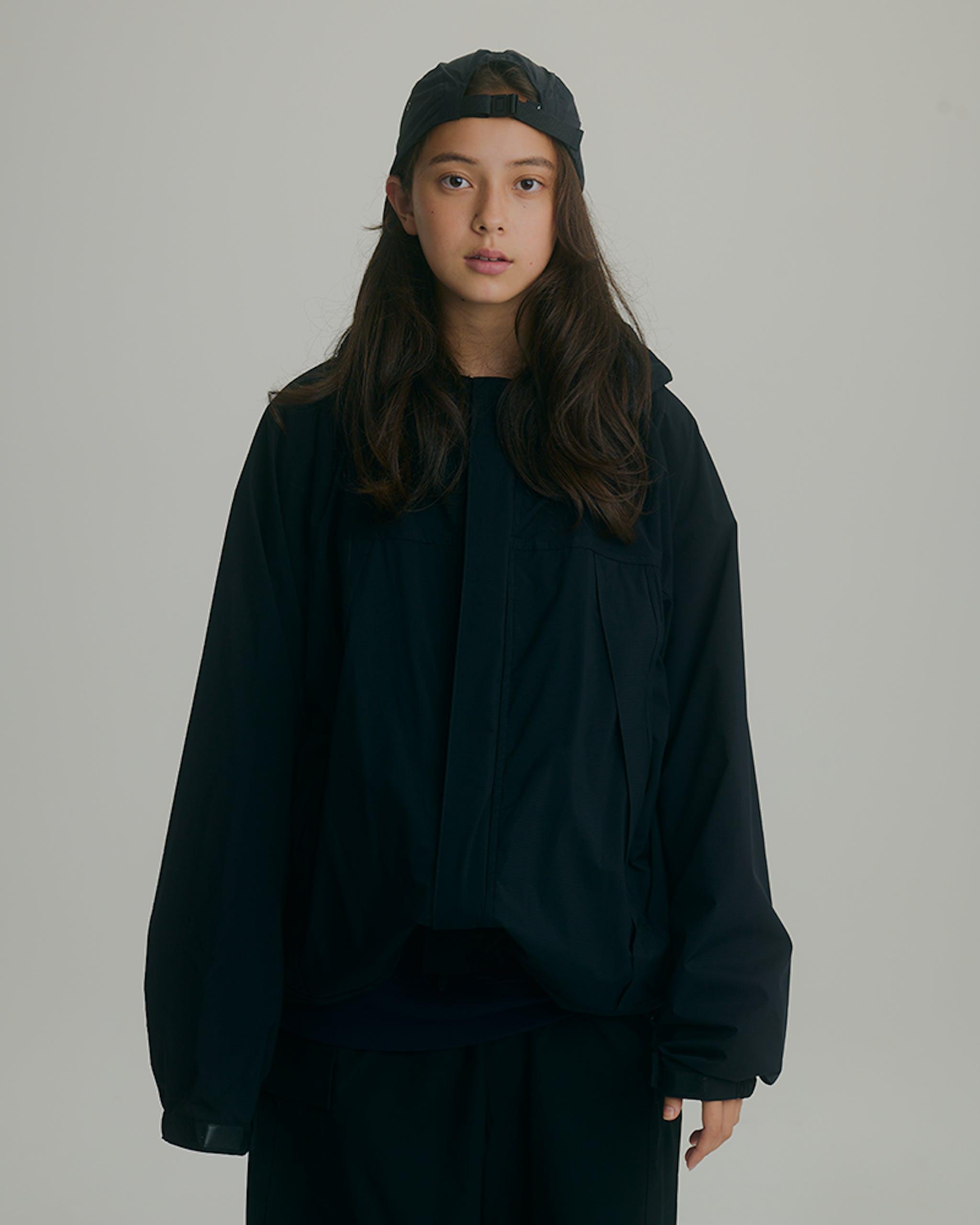 SWEAT SHIRT ¥4,840(税込) / HOODY ¥10,890(税込) / WIDE CARGO PANTS ¥9,240(税込) / CAP ¥2,640(税込)