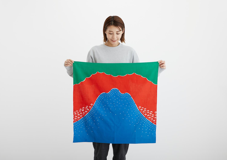 「山 × ものづくり」プロジェクトから、ヤマフロシキが新発売
