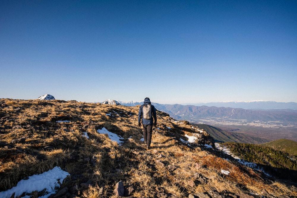 本気で登山と向き合うための山道具 -残雪の八ヶ岳-