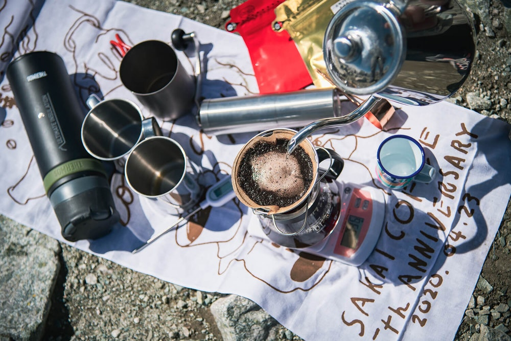 季節の楽しみをさらに深める小さな贅沢。秋の山で飲む特別なコーヒー