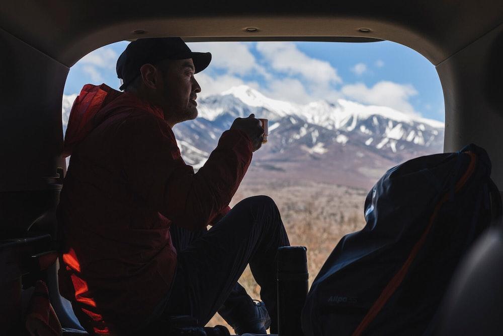 ちょっと山の近くまで。圧倒的な山岳展望とおいしいコーヒーで贅沢な息抜きを