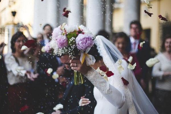 結婚とご縁の関係とは?ご縁を引き寄せる人の特徴や引き寄せ方を徹底解説