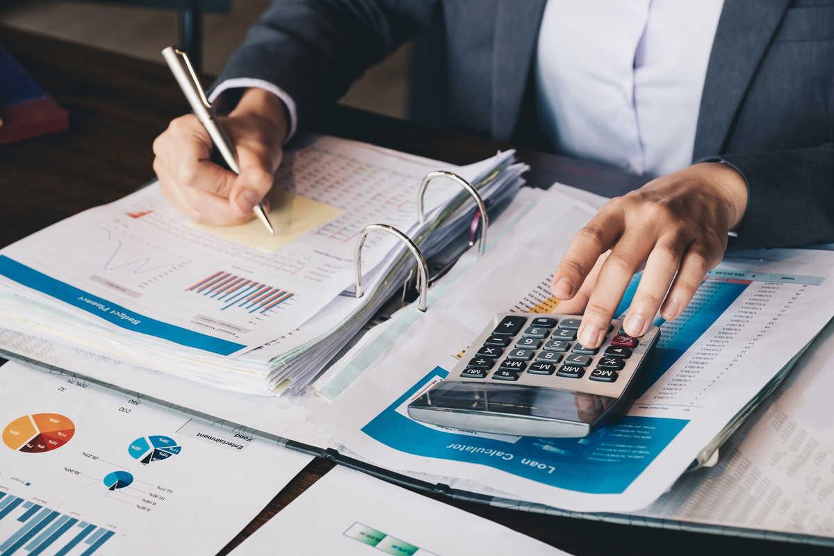 監査の対象は事業、財務、税務、法務、人事など多岐にわたる
