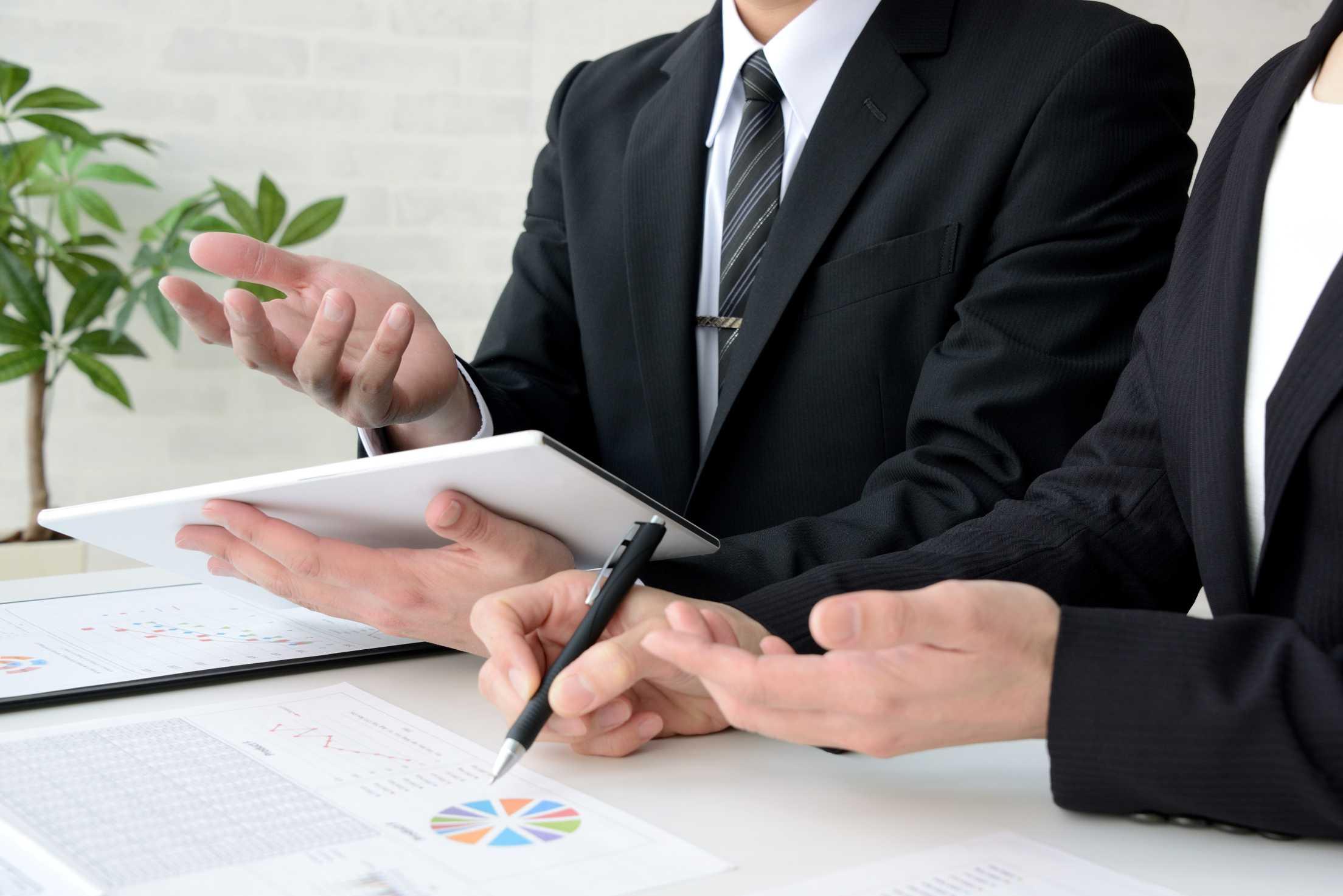 会社をたたむ費用・流れ・手続きを解説。検討したい3つのポイント