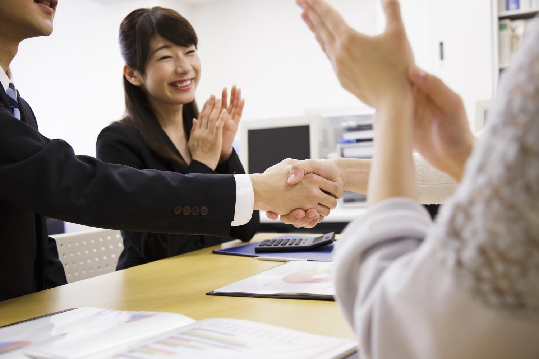 M&Aで譲渡された企業の社員はその後どうなる?給与などの処遇やメリットを紹介