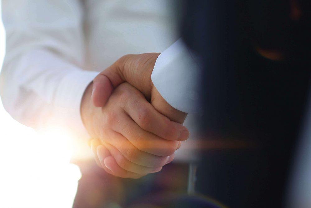 業務提携とは?資本提携・業務委託・M&Aとの違いとメリットやプロセスを解説