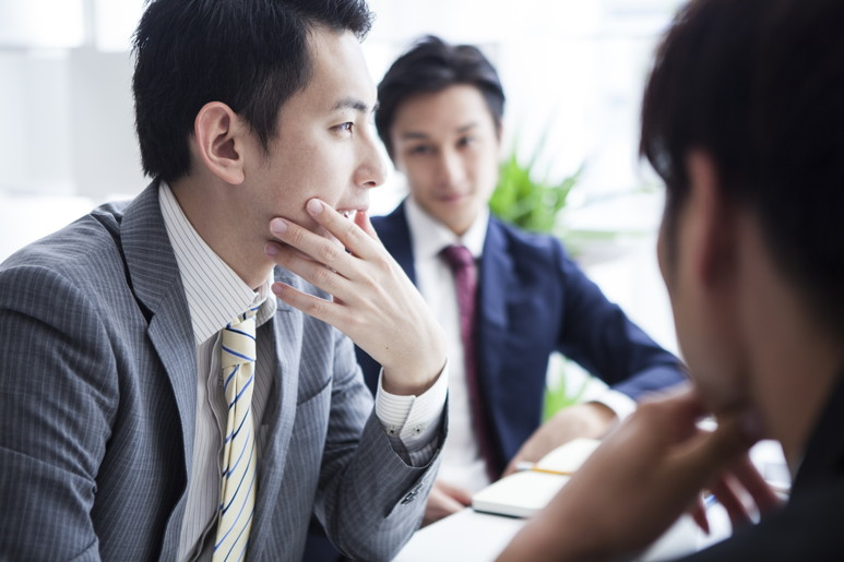 M&Aの売り手企業のメリットや、手続きの流れと課題やリスク軽減方法